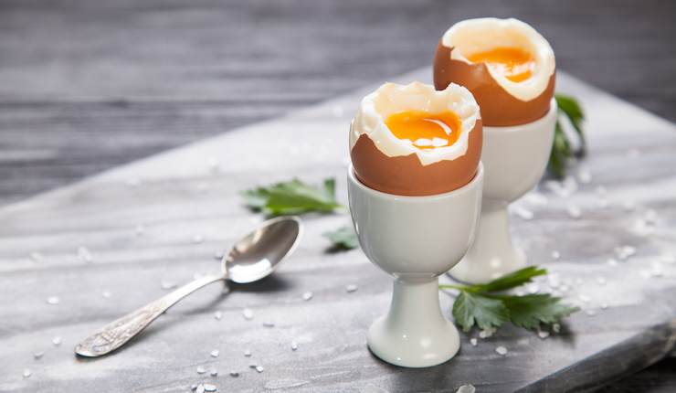 Eggs - just one of the 8 essential superfoods for weight loss - read to find out the other 7, they may surprise you! | the Progress app