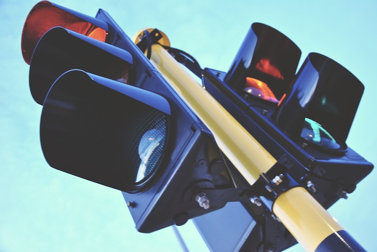 Traffic light your social life - one of the ways to stop the weekend ruining your diet | theprogressapp.com
